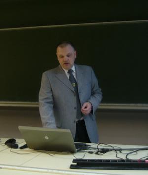 Dr. Hanka László