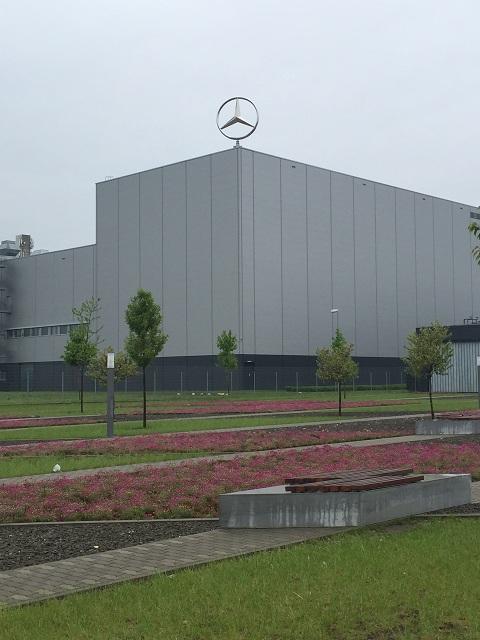 Biztonság a Mercedes gyárban