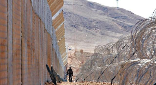 Izraeli acélkerítések biztonságtechnikával a határokra?