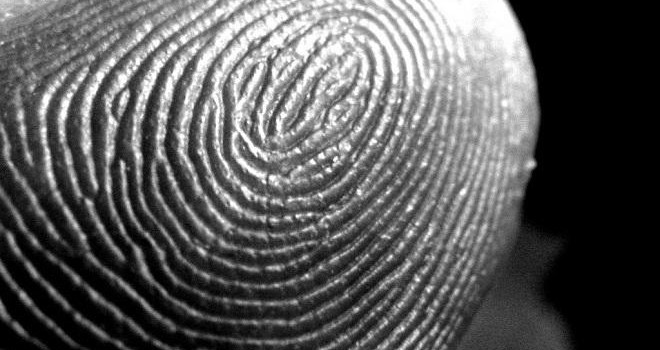 Ujjnyomat lopás fényképről – tények és kockázatok Forrás: wired