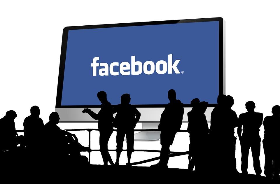 Válaszoljanak a felhasználók! A facebook - biztonsághoz kapcsolódó - súlyos kérdései. Forás: hwsw.hu