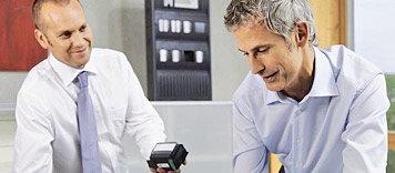 Bosch 5000-es sorozatú moduláris tűzjelző panel és Praesideo épület- és vészhangosítási rendszer