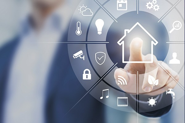 Merre Tovább Smart Homes? CES 2017 Las Vegas Forrás . http://www.securitysolutionsmagazine.biz/2017/04/21/the-refinement-of-smart-homes-opportunities-for-installers-and-locksmiths-in-2017/