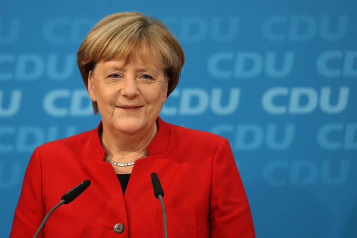 Merkel megengedőbb politikát sürget az adatvédelmi törvény gyakorlatában Forrás: Politico Europe