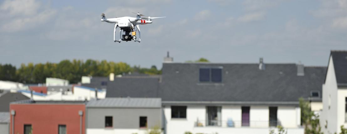A Pentagon beszigorított: tűzparancs a civil drónokra Forrás: http://index.hu/tech/2017/08/08/az_usa_kiadta_a_tuzparancsot_a_civil_dronokra/